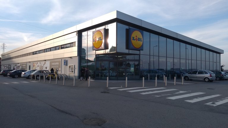Lidl Distribution Centres and supermarkets